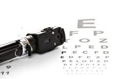 Офтальмоскоп на испытании зрения Стоковое Фото