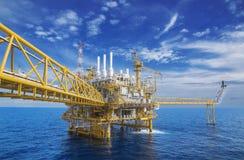 Оффшорное flatform продукции газа стоковые изображения