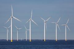 Оффшорные windturbines фермы около голландского побережья Стоковое Изображение RF
