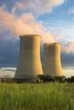 охлаждая башни захода солнца Стоковое Изображение RF