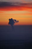 охлаждая башня дыма Стоковая Фотография