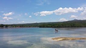 Охмеление острова на шлюпке Стоковые Фото