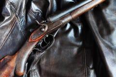 охотиться старое корокоствольное оружие стоковые изображения