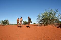 Охотники бушменов, пустыня Kalahari, Намибия Стоковое Изображение RF