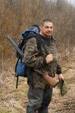 Охотник с рюкзаком Стоковые Фото