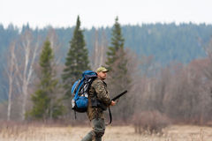 Охотник с рюкзаком Стоковая Фотография