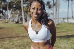 Очаровательная черная девушка в sportswear Стоковые Фото