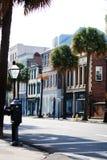 Очаровательные здания городского Чарлстона, Южной Каролины Стоковые Фотографии RF