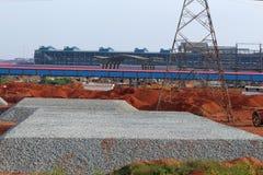 Очень большая песчинка на одном месте в заводе по изготовлению стали стоковое фото