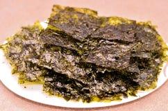 Очень вкусная высушенная тарелка морской водоросли Стоковые Фото