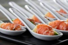 Очень вкусная еда на деревянном столе Стоковое фото RF