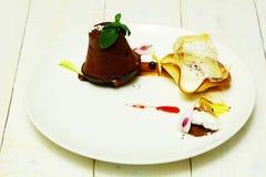 Очень вкусная испеченная булочка или пирожное стоковые фотографии rf