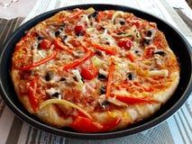 Очень вкусная, вкусная итальянская пицца гриба стоковая фотография