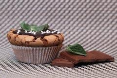 Очень вкусная мята пирожного булочки с расплавленным шоколадом Стоковые Изображения
