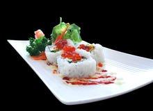 Очень вкусное яйцо икры суш Maki Калифорния стоковая фотография rf