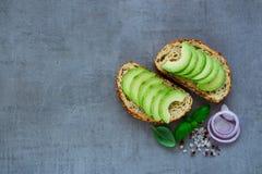 Очень вкусное bruschetta авокадоа Стоковые Изображения