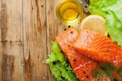 Очень вкусное salmon филе, богатое в масле омеги 3 Стоковая Фотография