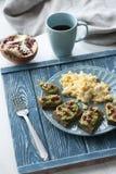 Очень вкусные здоровые завтрак и кофе Стоковая Фотография RF
