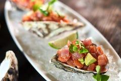 Очень вкусные красные рыбы в раковинах моллюска С jpg лимона и известки Стоковая Фотография