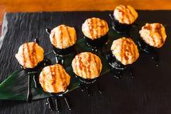 Очень вкусные крены с рыбами и сыром Стоковое Фото