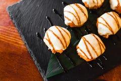 Очень вкусные крены с рыбами и сыром Стоковые Фото