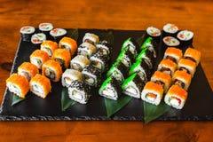 Очень вкусные крены с рыбами и сыром Стоковое фото RF