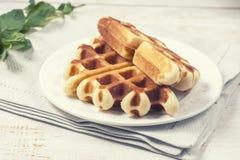 Очень вкусные домодельные waffles для завтрака Стоковое Фото