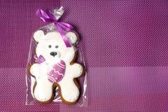 Очень вкусные печенья на белой предпосылке Белый медведь пасхи Стоковые Изображения RF