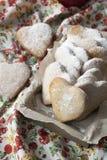 Очень вкусные печенья с сердцами к дню валентинки Стоковое фото RF