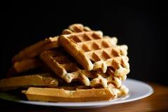 Очень вкусные сладостные waffles с вареньем Стоковые Изображения