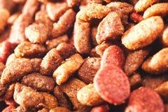 Очень вкусные части жевания собаки Стоковые Фото