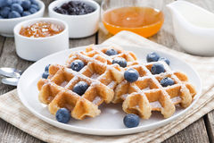 Очень вкусные waffles для завтрака Стоковая Фотография RF