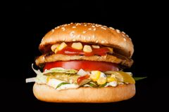 Очень вкусный бургер Стоковые Изображения RF
