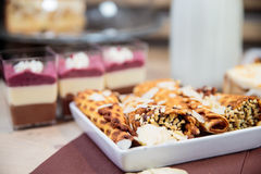 Очень вкусный выбор десерта стоковые фото