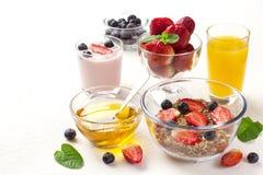 Очень вкусный завтрак на таблице Стоковая Фотография