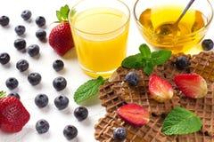 Очень вкусный завтрак на таблице Стоковые Фото
