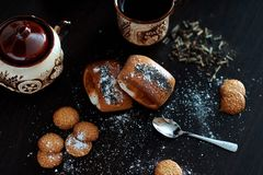 Очень вкусный завтрак с кофе и кренами Стоковые Фото