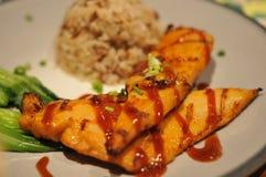 Очень вкусный зажаренный в духовке обедающий цыпленк цыпленка Стоковое Фото