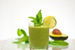 очень вкусный здоровый зеленый smoothie овощей Стоковое Изображение RF