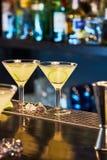 Очень вкусный коктеиль на баре Стоковая Фотография RF