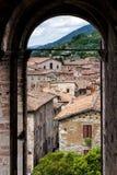 Очень вкусный мимолётный взгляд Gubbio, средневекового городка стоковая фотография rf