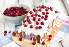 Очень вкусный домодельный торт хлебца клюквы стоковая фотография rf
