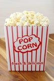 Очень вкусный попкорн стоковые фотографии rf