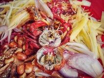 Очень вкусный пряный салат манго стоковые фото