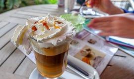Очень вкусный сметанообразный кофе льда в кафе Стоковые Фотографии RF