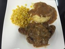 Очень вкусный стейк с картофельным пюре стоковые фото