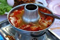 Очень вкусный суп креветки в баке стоковые изображения rf