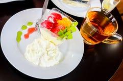 Очень вкусный служат салат свежих фруктов, который стоковое фото