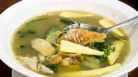 Очень вкусный тайский пряный смешанный овощной суп Kang Liang Стоковая Фотография RF