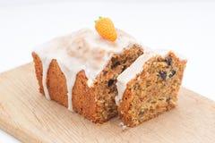 Очень вкусный торт плодоовощ с смешанными плодоовощ и гайками Стоковое фото RF